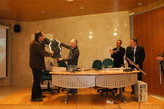 Cápito fue obsequiado con un chándal firmado por Rafa Nadal